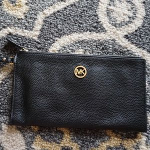 MICHAEL KORS Fulton Large Leather Clutch